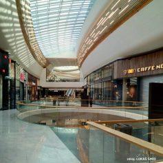 #interiorstyling #storedesign #visualmerchandising #shopwindow #interior_desing #visualexpert_eu #customerexperience